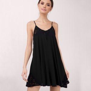 TOBI Small Black Lace Shift Flowy Dress